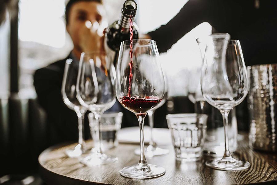 Das Essen ist die Begleitung zum Wein